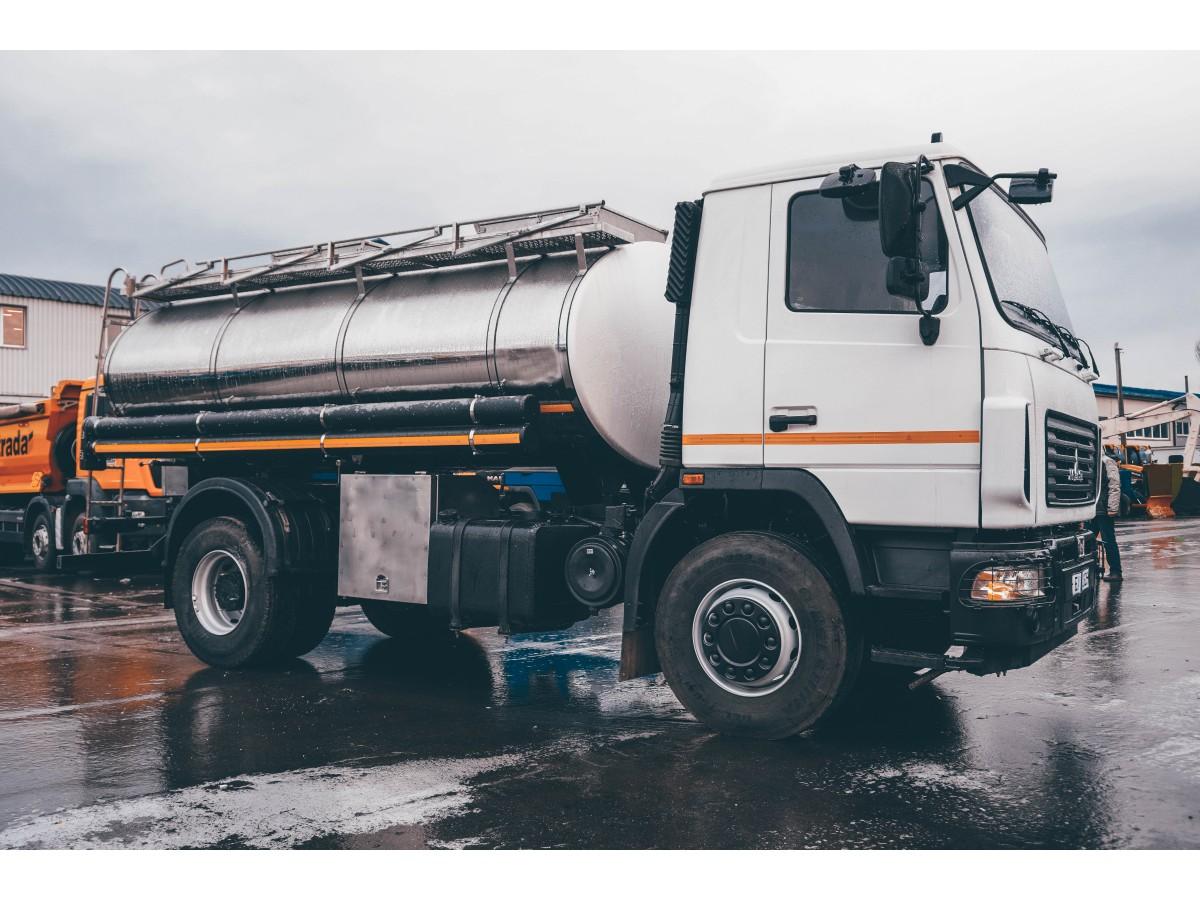 Автоцистерна для перевезення питної води